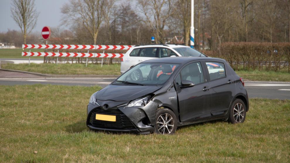 Twee personen gewond bij aanrijding N359