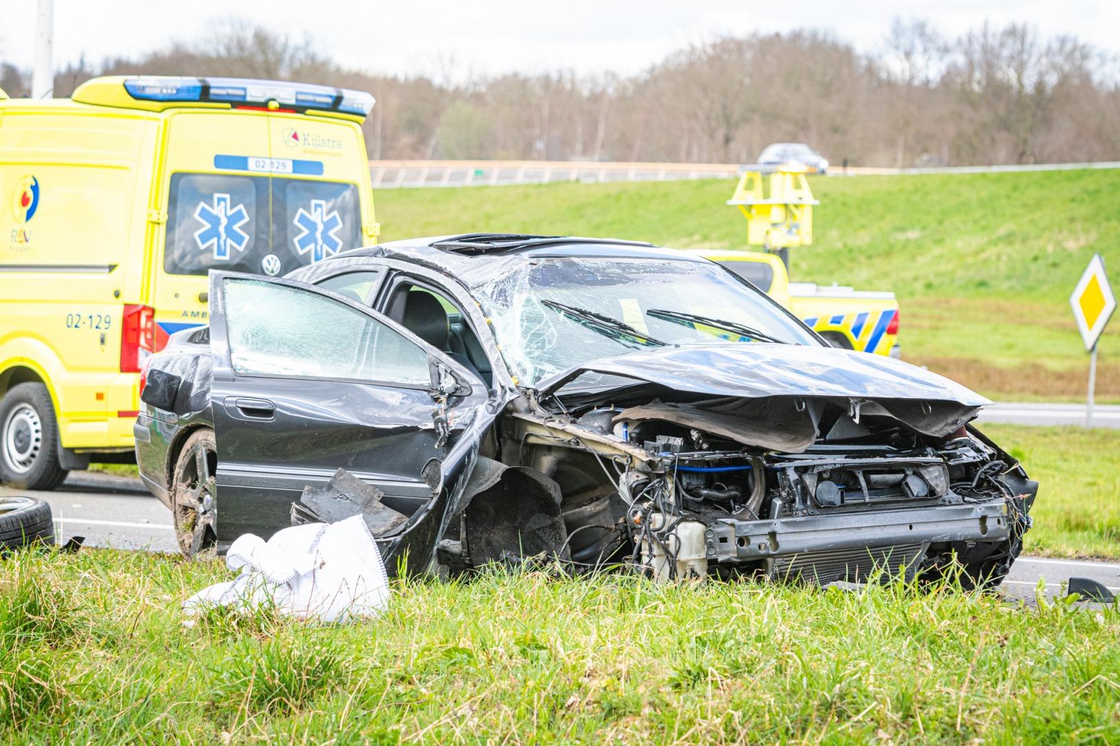 Twee gewonden bij ongeval op afrit A32.