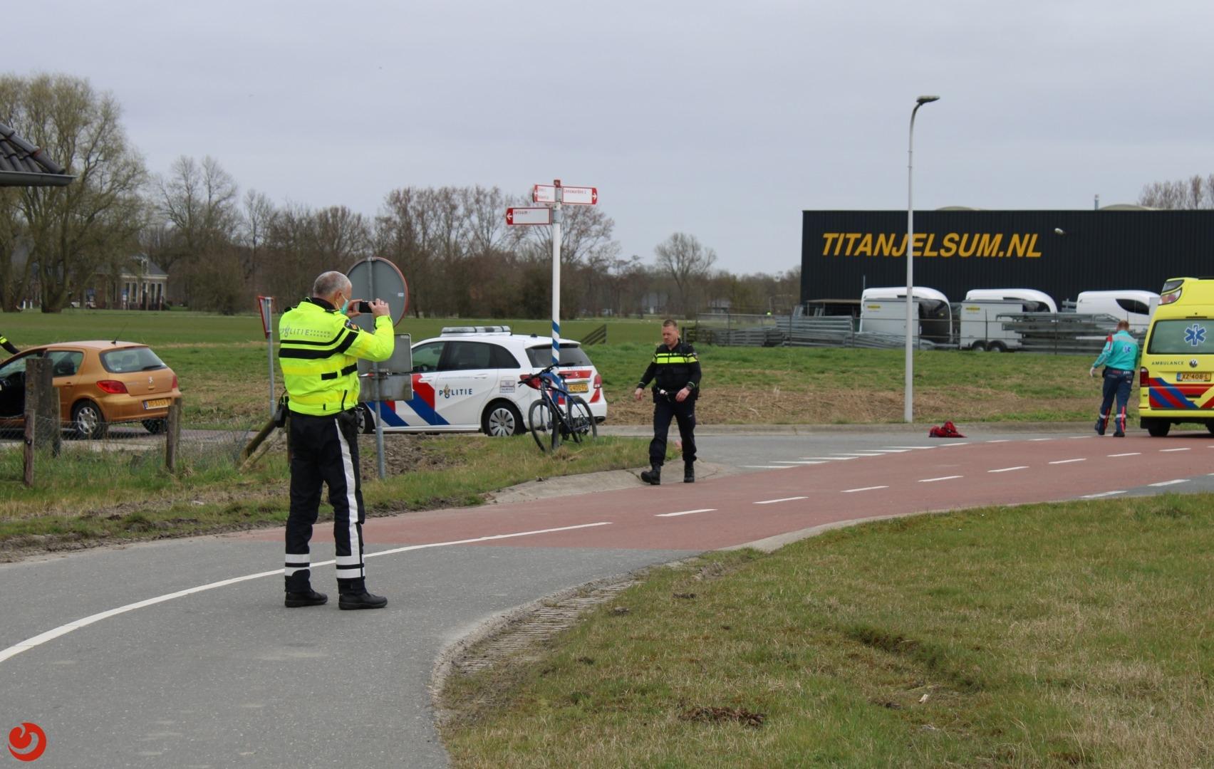 Mountainbiker aangereden door auto.