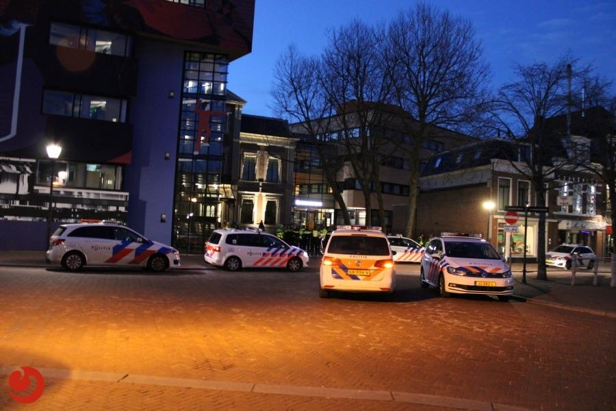 Veel onrust in Prinsentuin; politie bekogeld met flessen