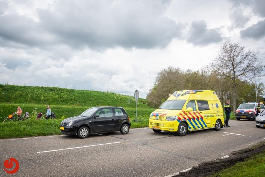 Fietser gewond bij botsing met auto