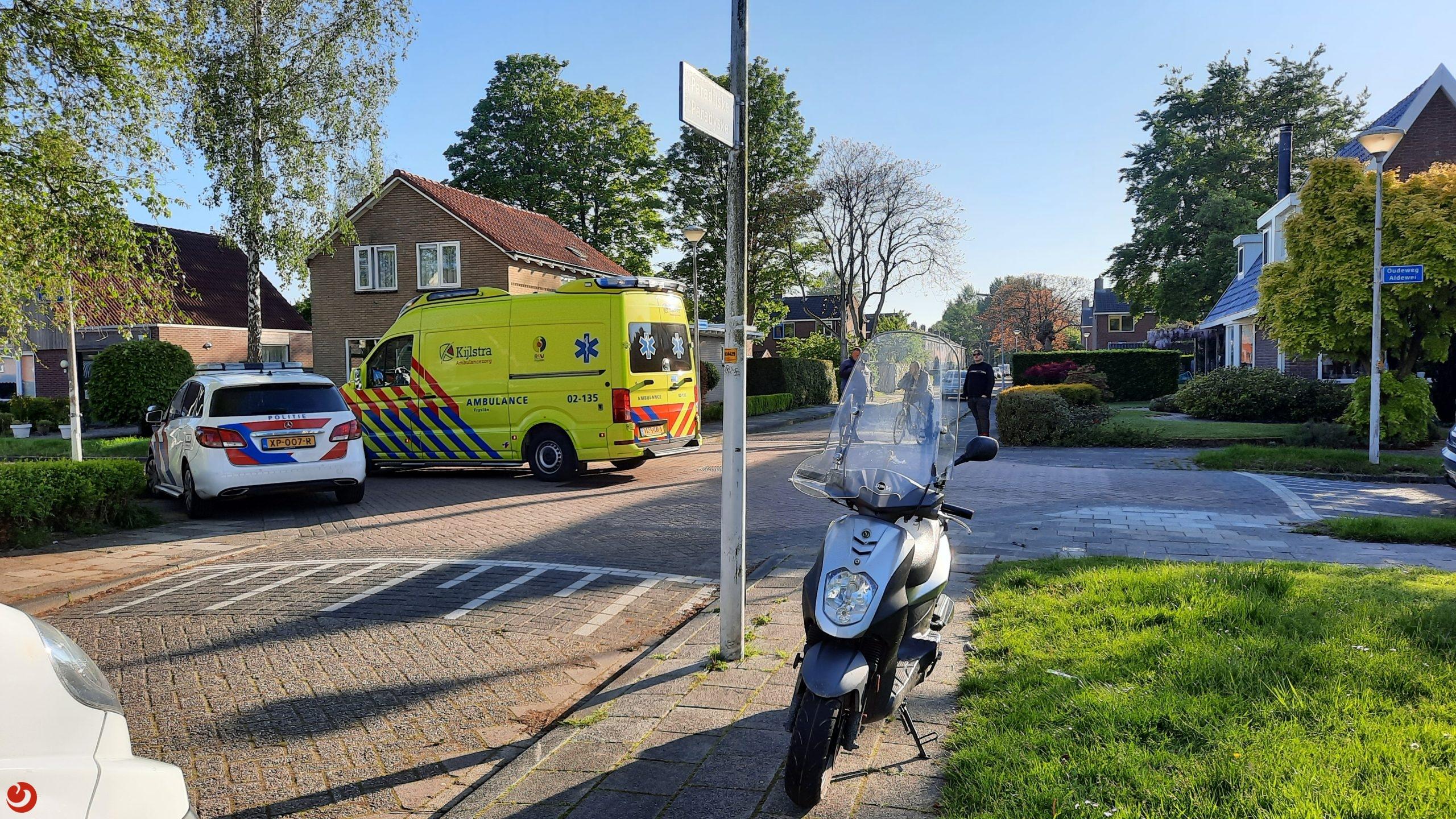 Scooterrijder raakt gewond na aanrijding met auto in Drachten.