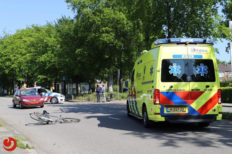 Fietser gewond na aanrijding met auto in Burgum