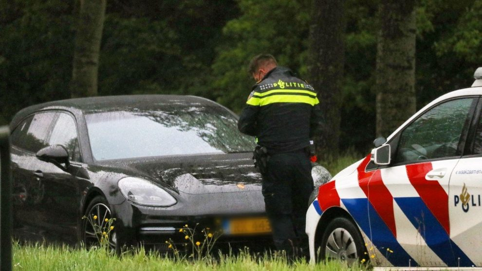 Bestuurder rijdt door na aanrijding in Drachten