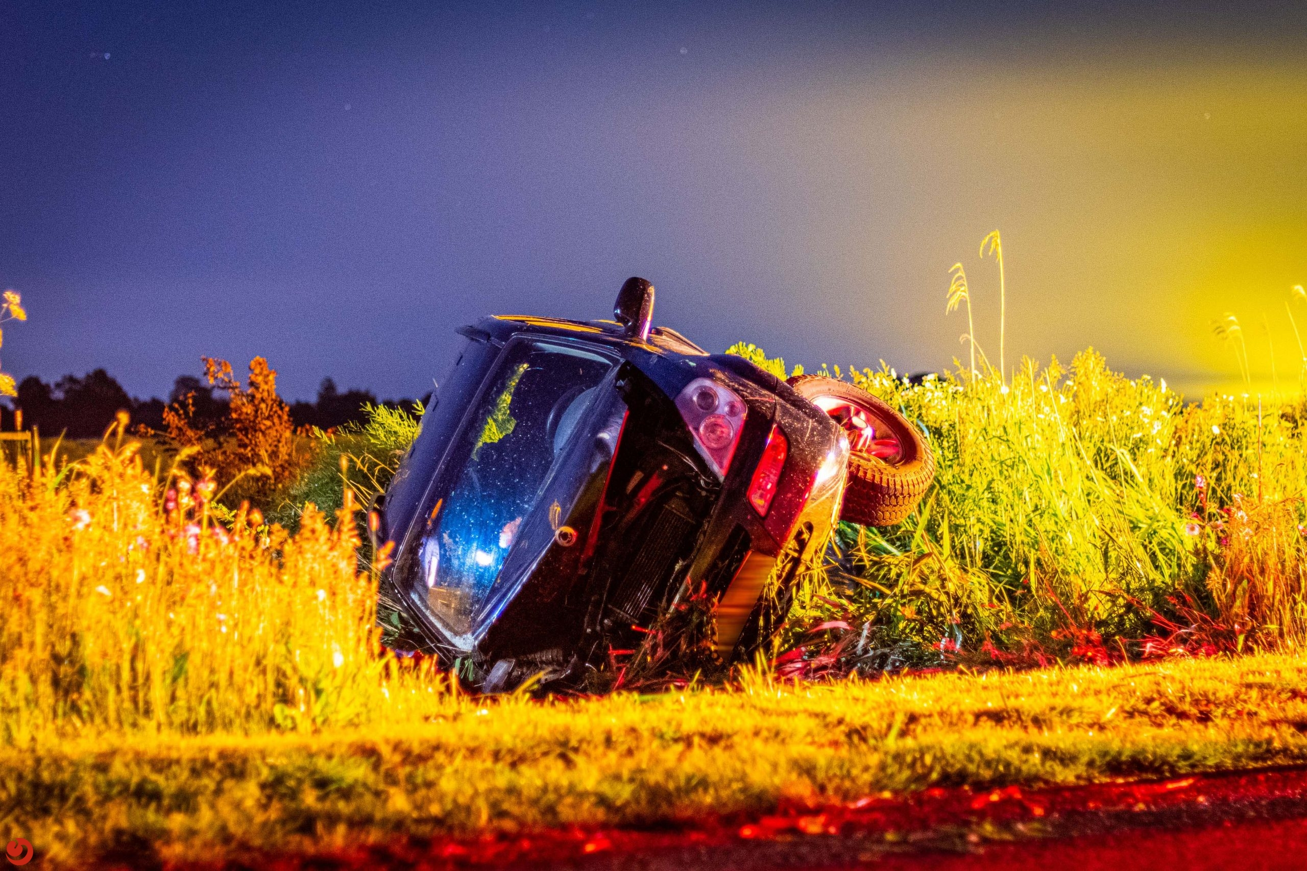 Automobilist belandt in de sloot in Nijelamer