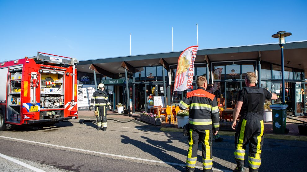 Brandweer ingezet voor kortsluiting in snackbar Harlingen