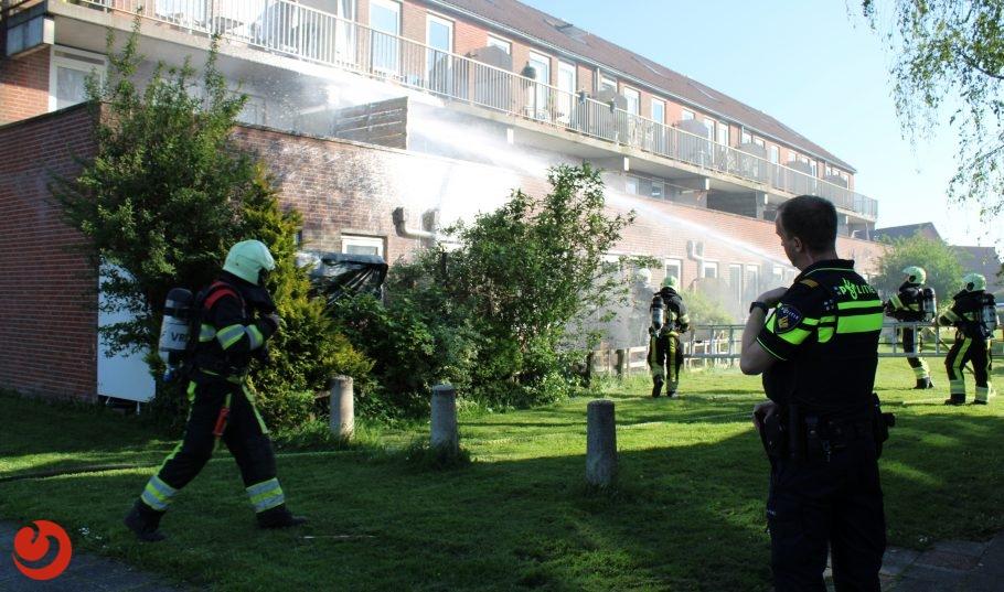 Uitslaande brand op balkon in Leeuwarden