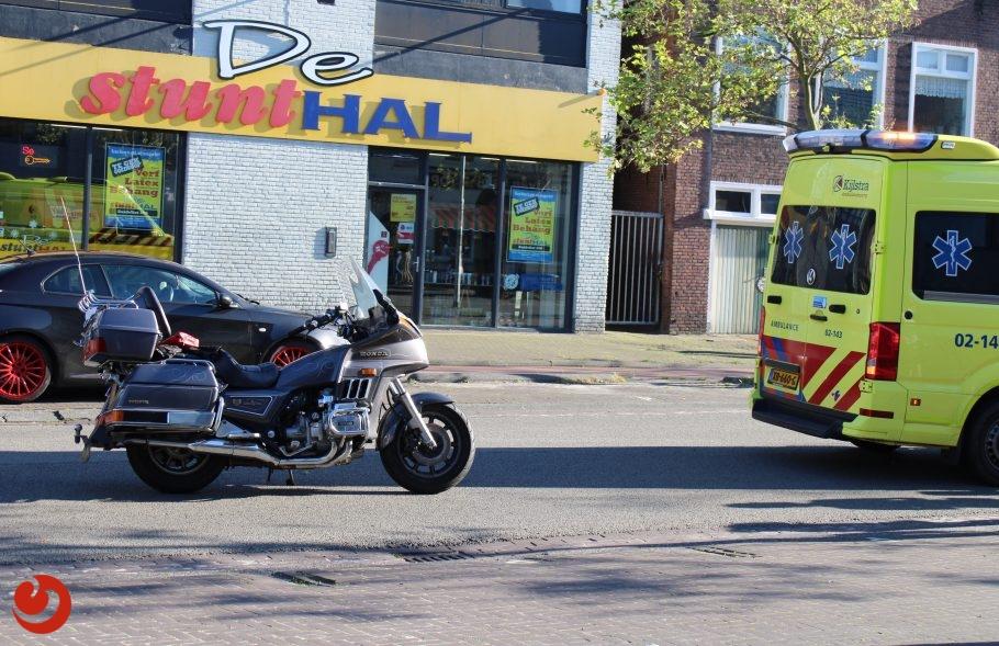 Jongetje op fiets aangereden door motor in Leeuwarden