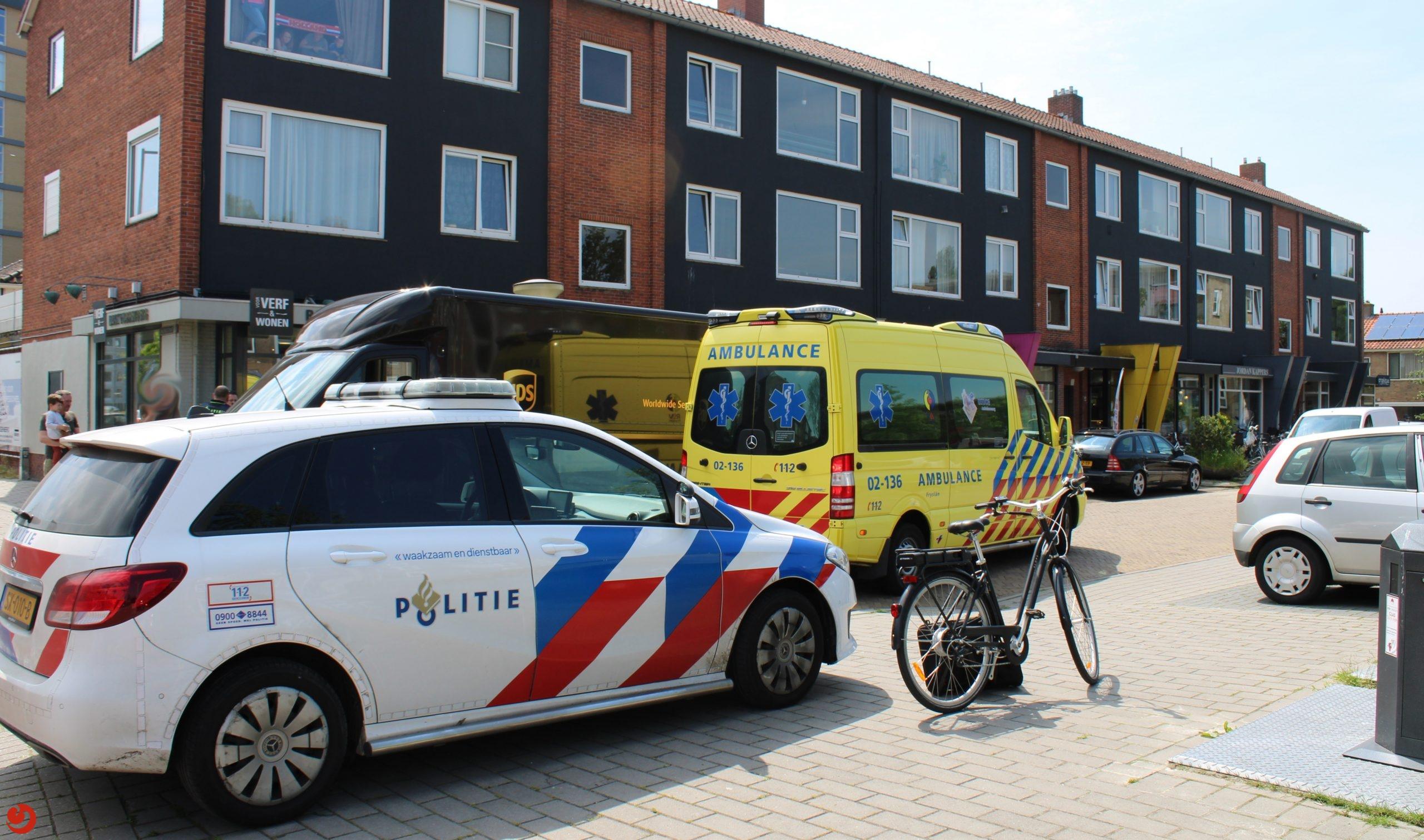 Fietser in botsing met bestelbusje in Leeuwarden.