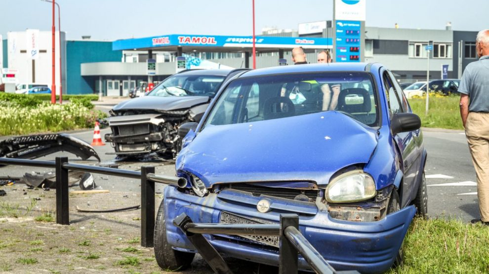Veel schade bij fors ongeval in Drachten