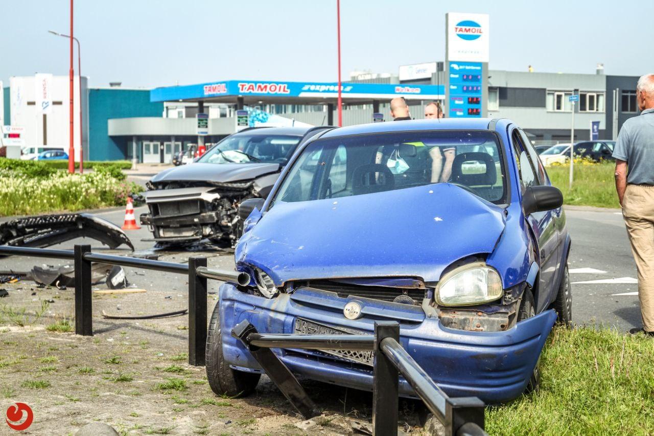 Veel schade bij fors ongeval in Drachten.