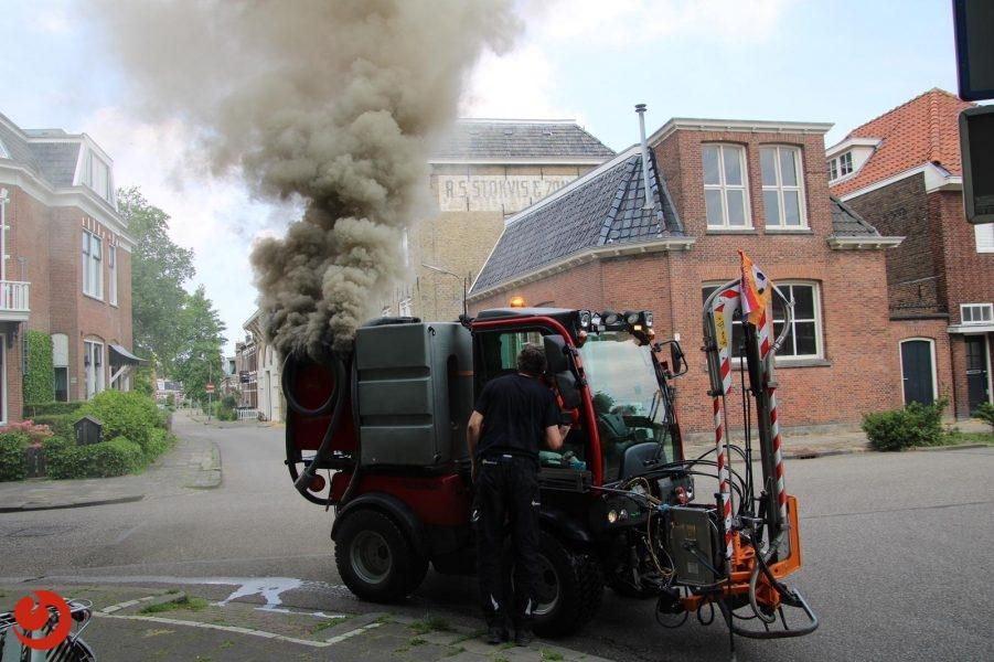 Brandweer ontdekt brandende Omrin wagen bij oefening Leeuwarden