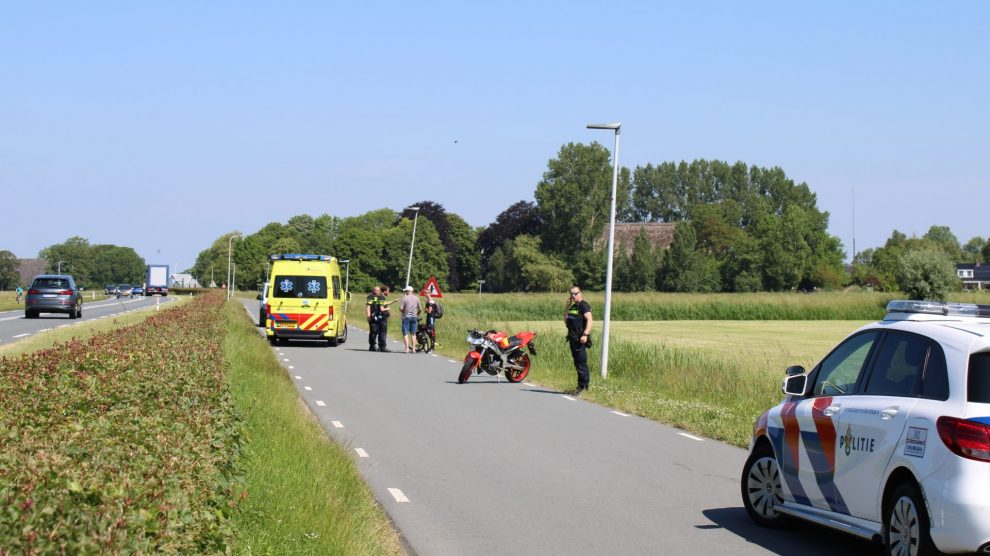 Fietsster gewond na aanrijding met bromfiets in Leeuwarden