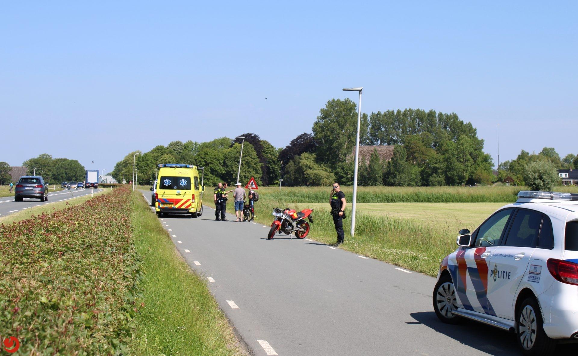 Fietsster gewond na aanrijding met bromfiets in Leeuwarden.
