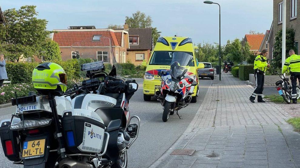 Snorfietser gaat onderuit en raakt gewond in Luinjeberd