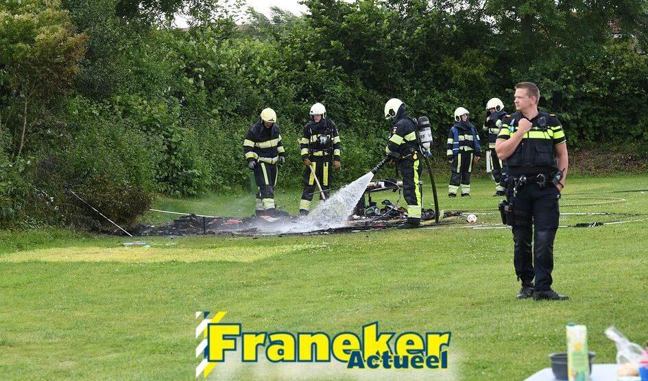 Tent op camping gaat in vlammen op in Franeker