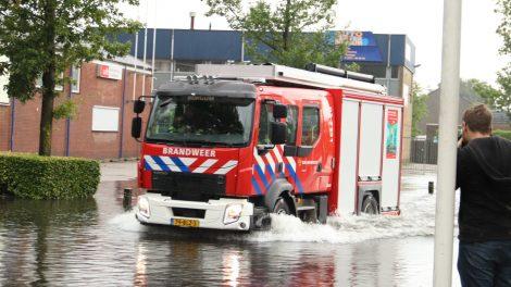 Brandweer druk met wateroverlast in Fryslân