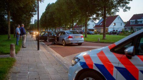 Twee automobilisten botsen op kruising in Bolsward