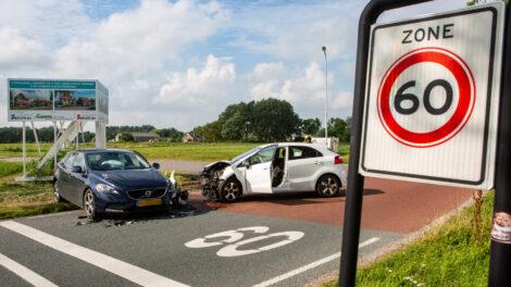 Gewonde en veel schade bij aanrijding in Franeker