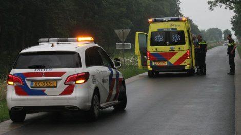 Dronken bromfietser gaat onderuit en raakt gewond in Kollum