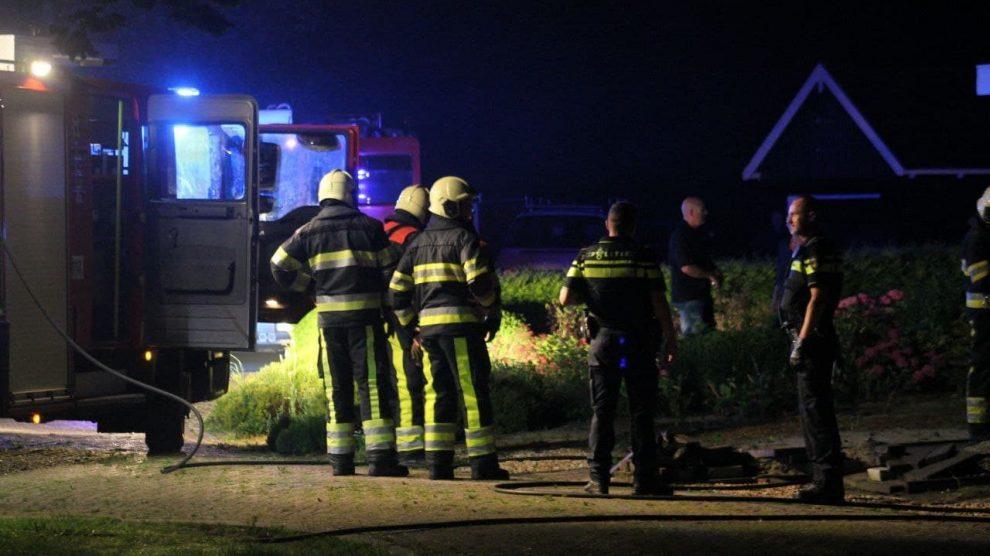 Brandweer in actie voor nachtelijke keukenbrand in Holwerd