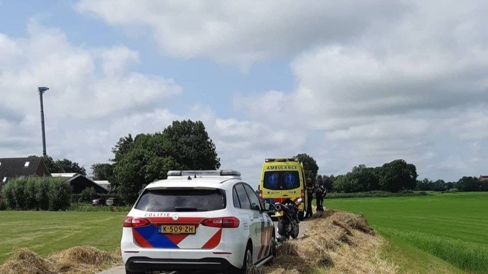 Motorrijder belandt in de sloot bij Boazum