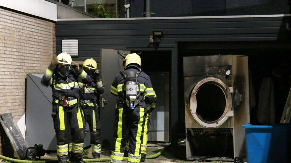Wasdroger vliegt in brand in kledingstomerij Drachten