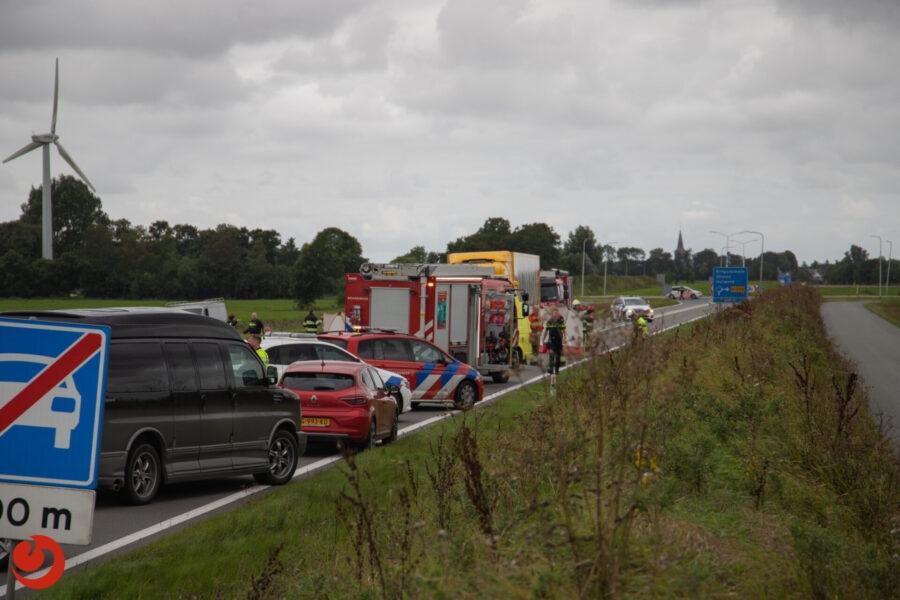 Motorrijder overleden na aanrijding met vrachtwagen N383 Beetgum