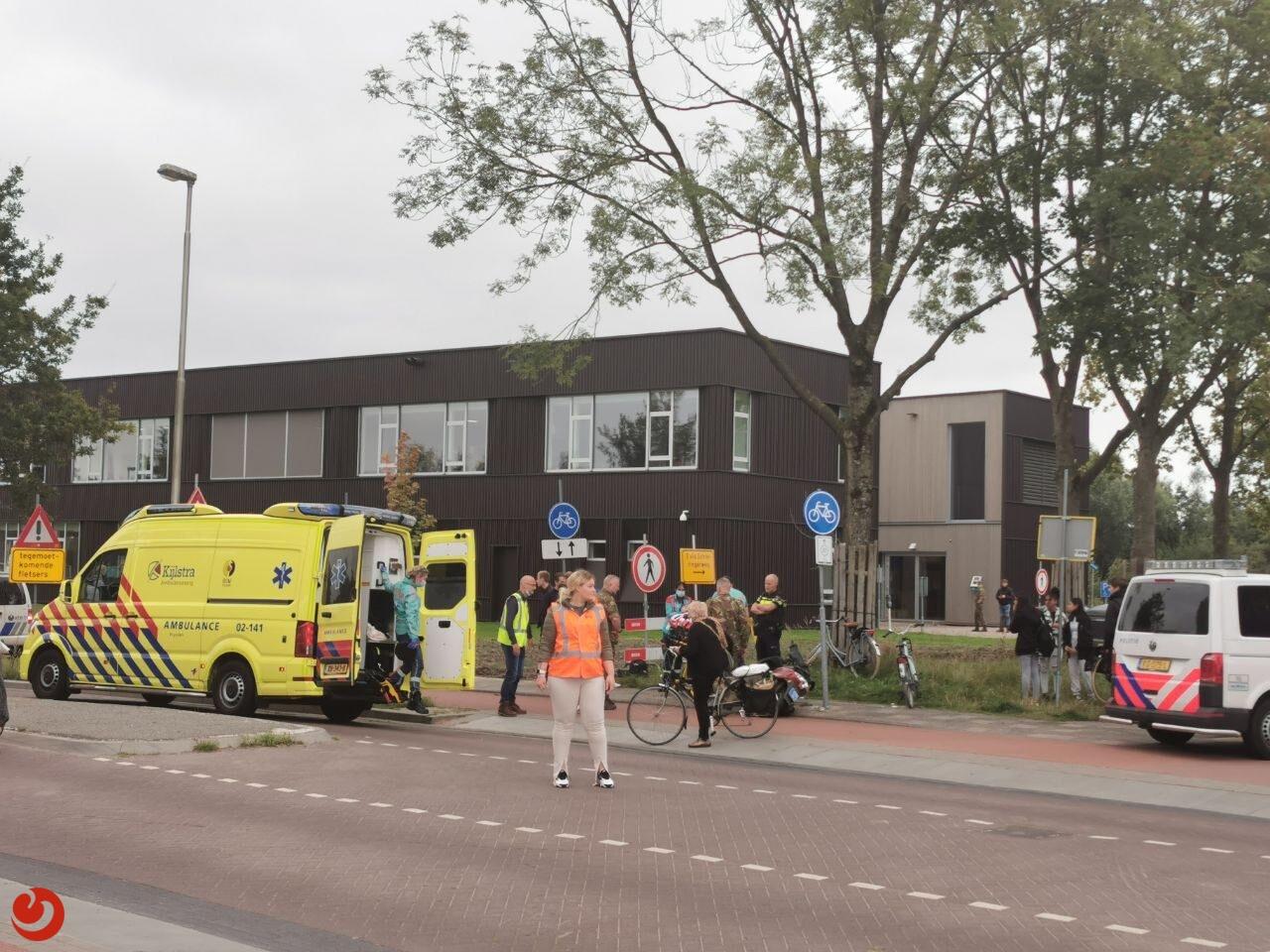 Scooterrijder gewond na botsing met fietser in Leeuwarden.