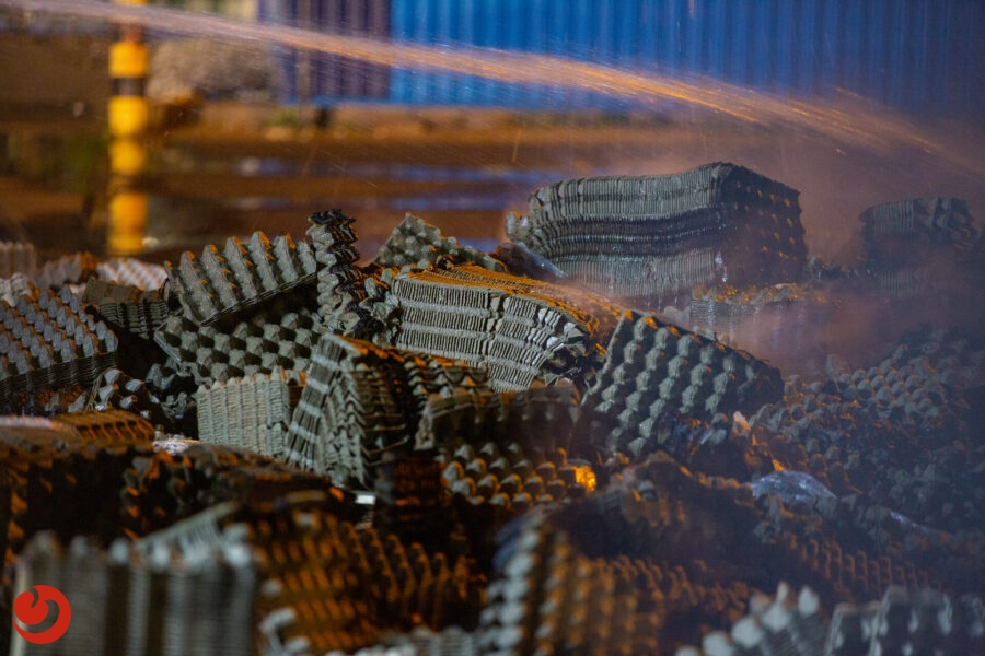 Brandweer uitgerukt voor brandende eierdozen in Franeker