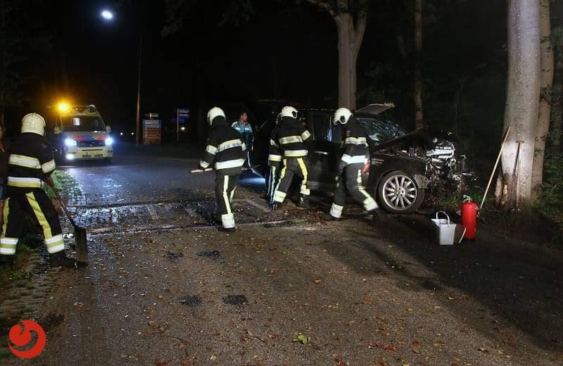 Bestuurder gewond bij eenzijdig ongeval in Appelscha