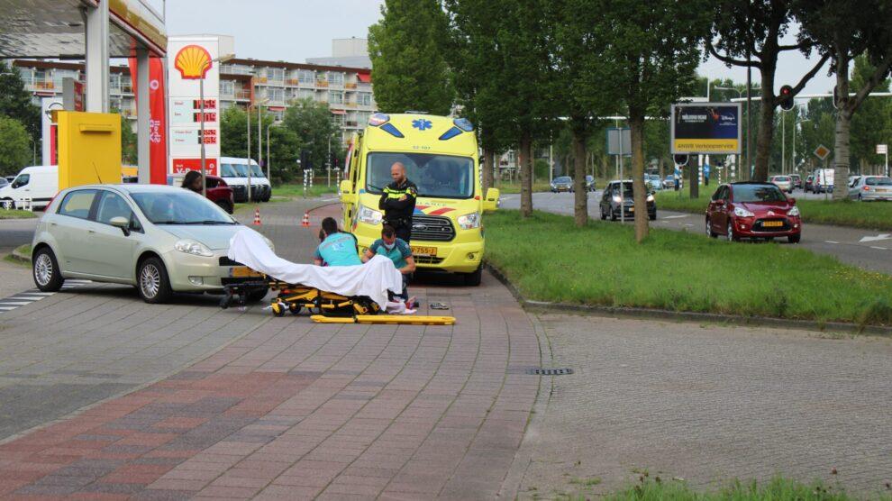 Voetganger aangereden bij uitrit tankstation in Leeuwarden