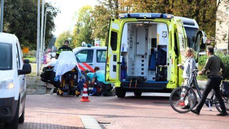 Fietsster gewond na aanrijding met bedrijfsbusje in Drachten