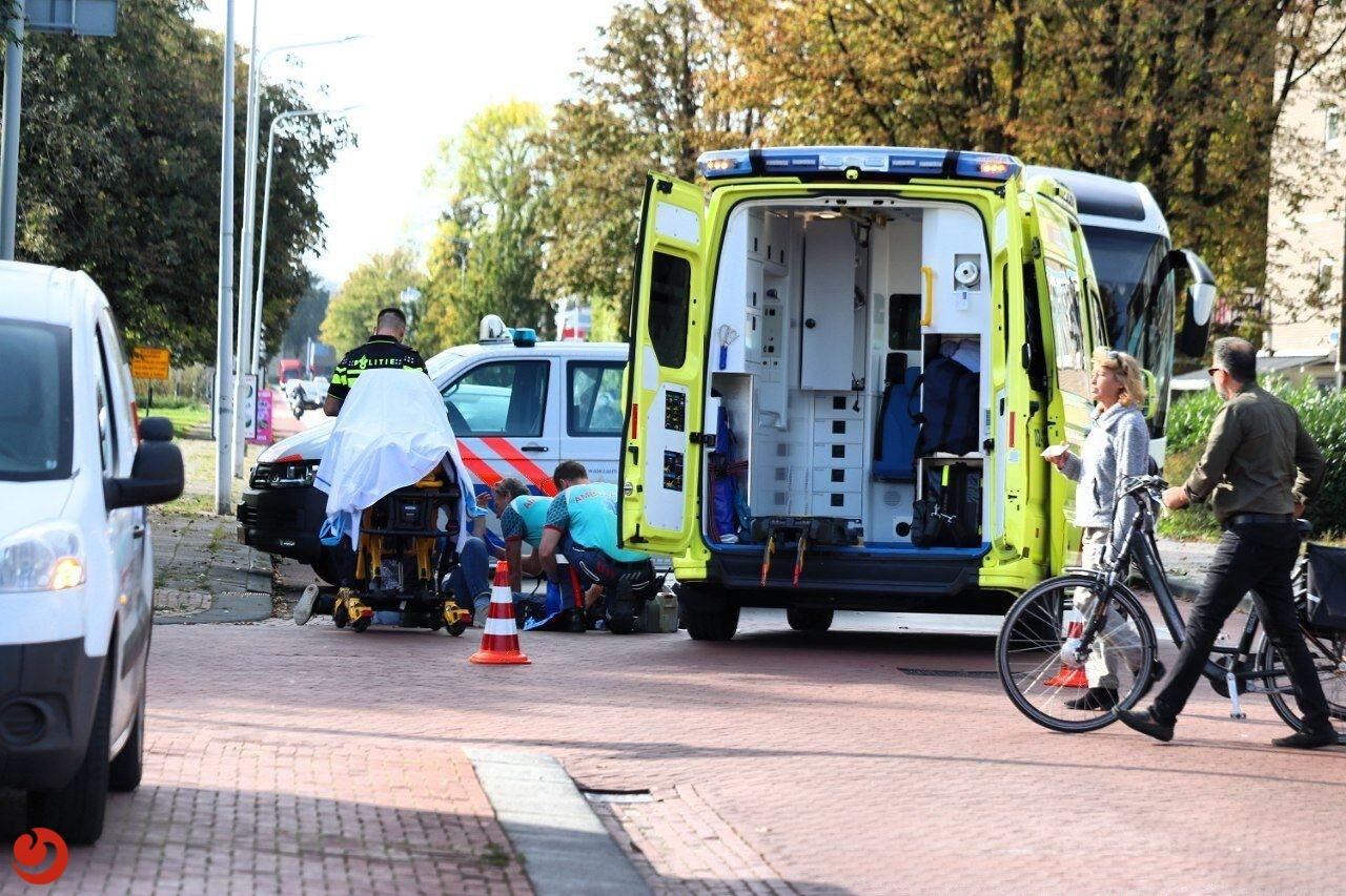 Fietsster gewond na aanrijding met bedrijfsbusje in Drachten.