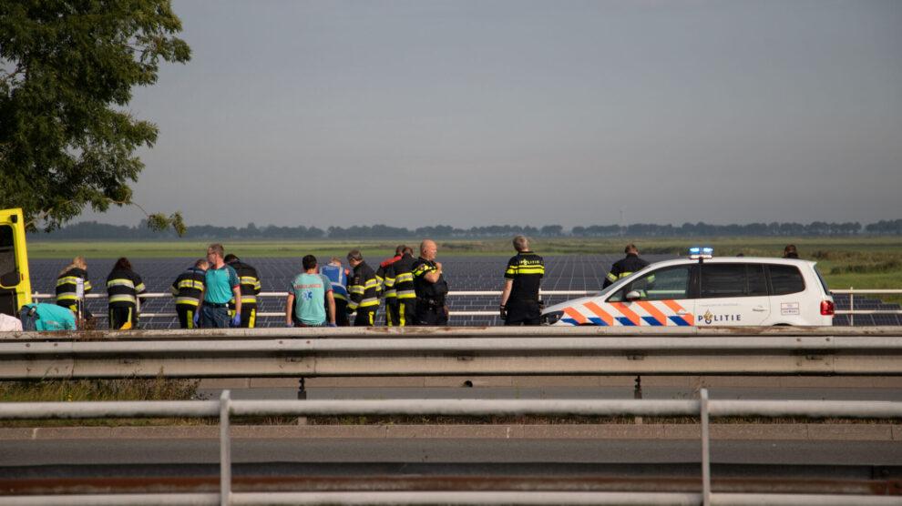 Hulpdiensten rukken massaal uit voor persoon te water in Leeuwarden