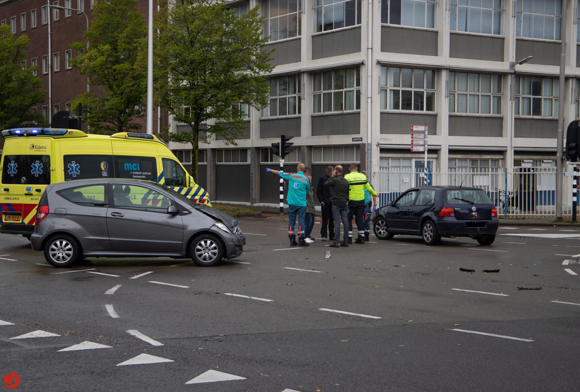Flinke verkeershinder tijdens avondspits door ongeval in Leeuwarden.