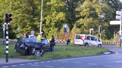 Twee gewonden bij aanrijding op kruising E10 Ryptsjerk