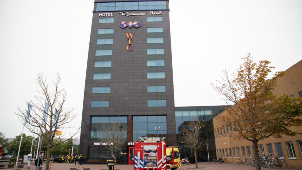 Sauna veroorzaakt zeer grote brand in WTC Hotel Leeuwarden