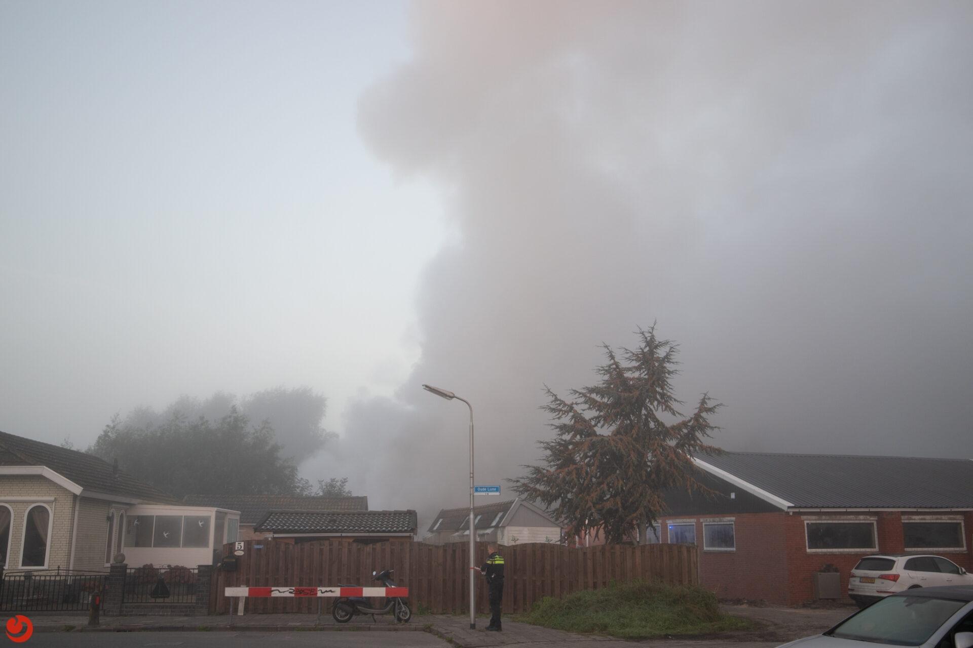 Flinke brand in boothuis Leeuwarden; forse rookontwikkeling