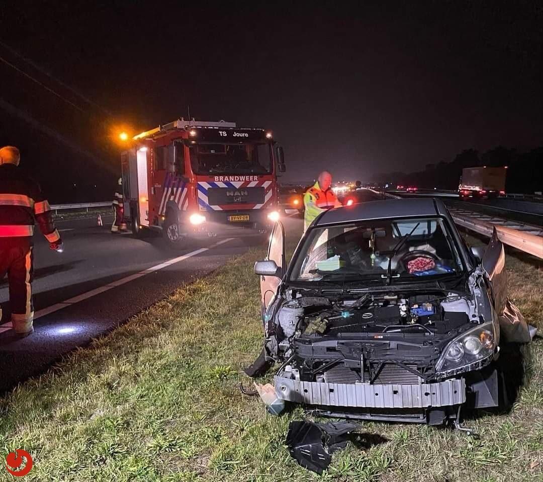 A7 richting Heerenveen tijdelijk dicht door ongeval bij Haskerhorne.